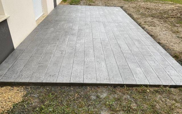 terrasse-décoratif-bois-gris-okedo-640×400